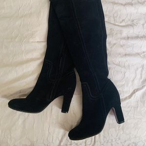 Knee high black boots!
